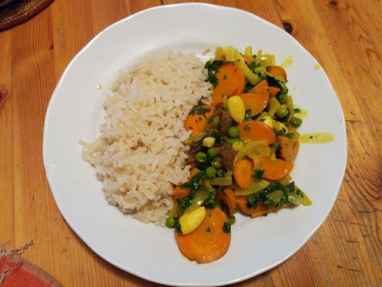 Gemüsecurry mit Reis bearbeitet 750