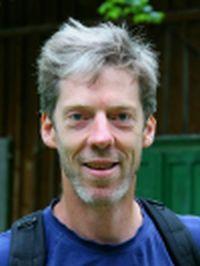Reinhard Grollegger bietet im Yogaraum Laßnitzhöhe Shiatsu an.